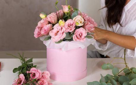 Flower box: růže nebo mix květin, rozvoz po ČB