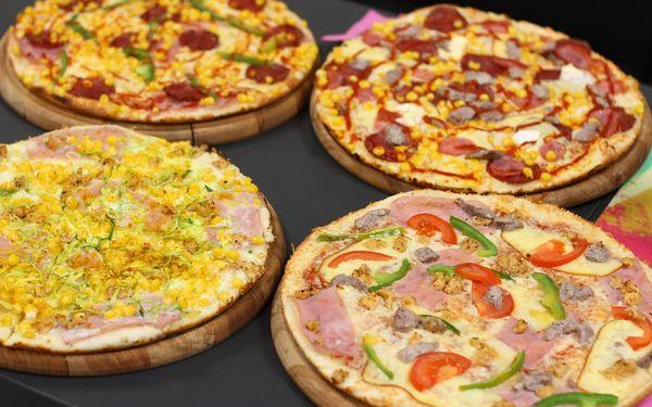 1x Chacharova pizza (⌀ 32 cm) podle výběru2