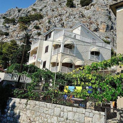 Chorvatsko, Omiš: Apartments Villa WhiteHouse