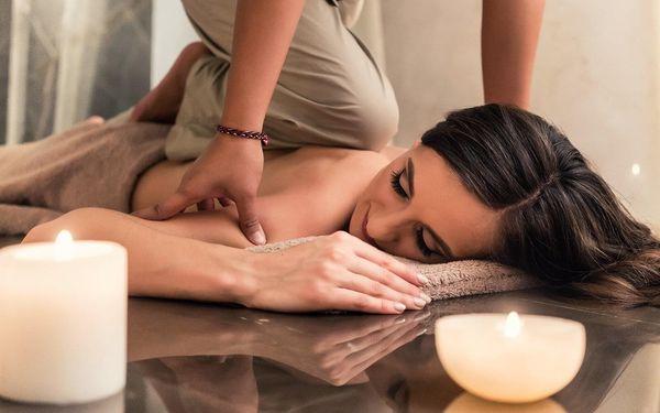 Masáž nohou nebo hodinová tradiční thajská masáž