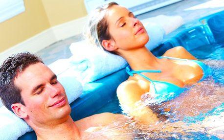 Relax v bublinách: veřejný či privátní bazén, vířivka i sauna