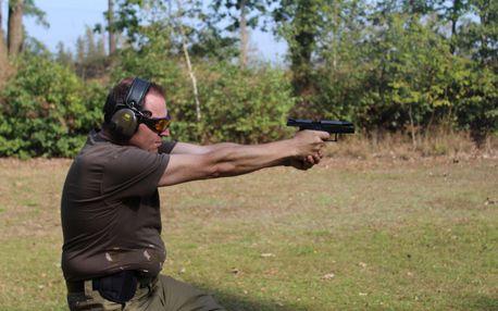 Adrenalin na střelnici s výběrem z 350 zbraní a až 111 náboji