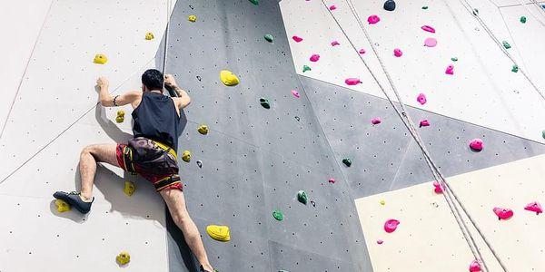 Lezecký kurz na umělé stěně