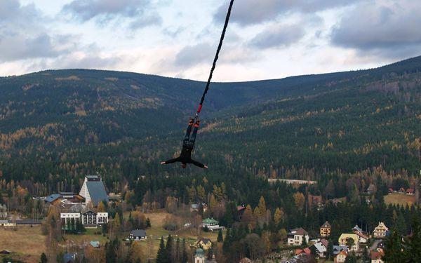 Seskok z jeřábu (výška 50 m), lokalita dle výběru: Plzeň, Praha, Olomouc, Ostrava, Brno5