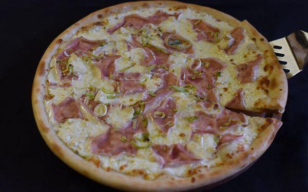 1x pizza (ø 32 cm) podle výběru4