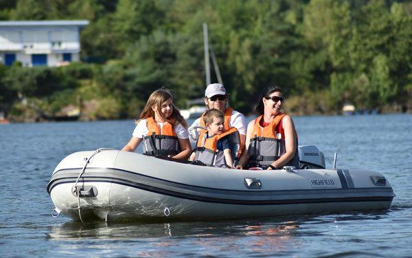 Poklad na Slapském jezeře aneb šifrovačka na motorových člunech4