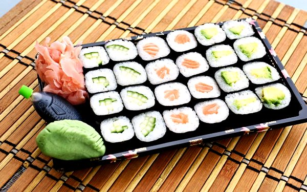 Sushi set: 24 ks4