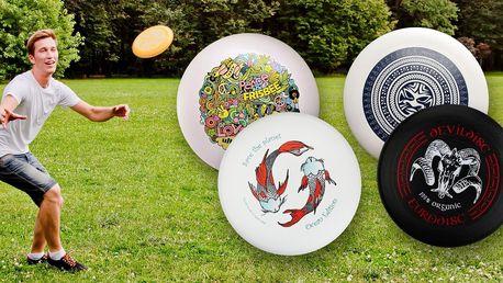 Profesionální frisbee z organických materiálů