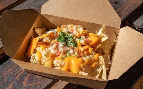 600 g nachos dle výběru přímo na náměstí Republiky