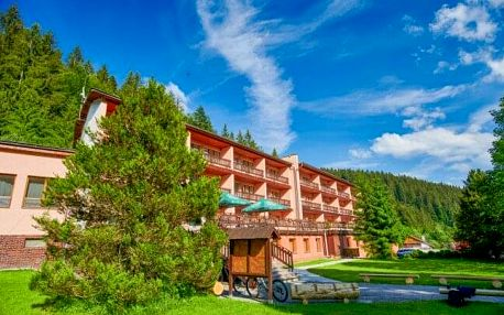 Slovensko: Javorníky v Hotelu Podjavorník s polopenzí, vstupem do wellness, procedurami a balíčkem slev