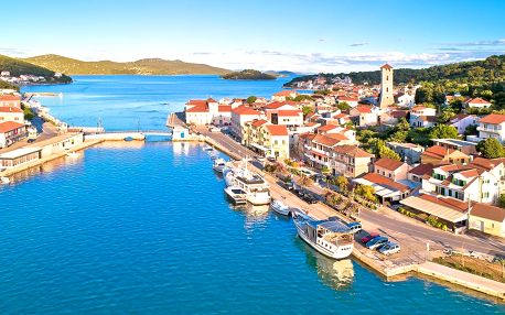 Pobyt v chorvatském Tisnu: přímo u moře, se snídaní