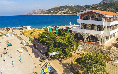 Černá Hora: apartmány s polopenzí přímo na pláži