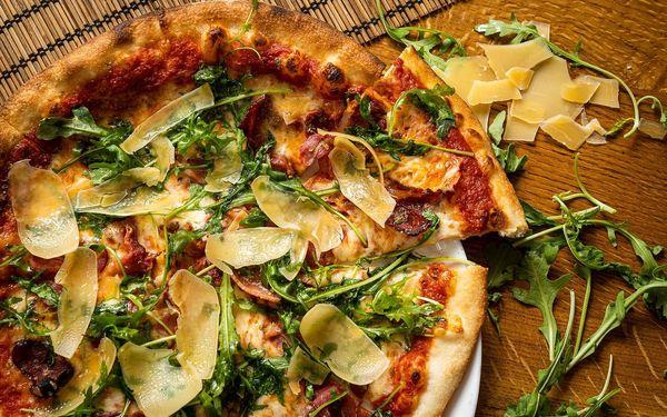 2x pizza o průměru 32 cm k odnosu s sebou2