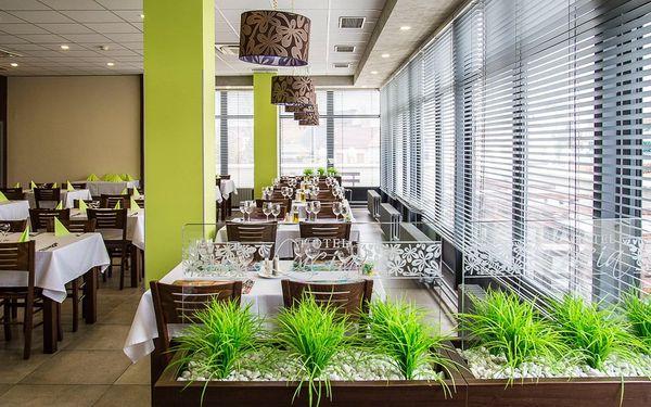 Pobyt v hotelu Lucia s wellness a romantickou večeří | 2 osoby | 2 dny (1 noc)3