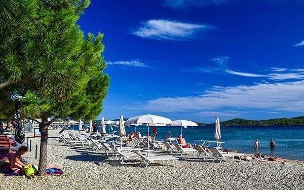 Chorvatsko: Vodice jen 500 m od pláže a moře ve Villa Kristínka v apartmánu pro 2 až 6 osob + vlastní kuchyňka