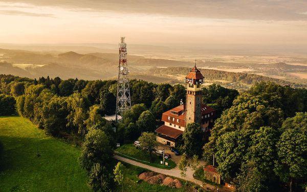 Netradiční ubytování v hotelu Vyhlídka v Českém ráji s polopenzí