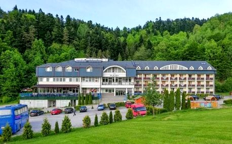Dovolená ve Slovenském ráji: Hotel Plejsy *** s polopenzí, neomezeným wellness a bohatým vyžitím pro děti