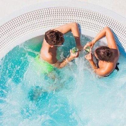 Chorvatsko: Ostrov Pag v Hotelu Pagus **** přímo na pláži s all inclusive, bazény a lehátky + animační program