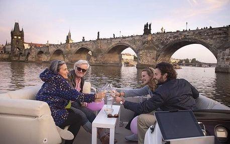 Polosoukromá plavba po Vltavě s ochutnávkou vína