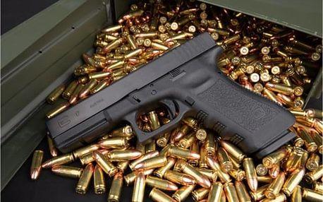 Střelba z pistole Glock, AK-47, Uzi a revolveru v Praze