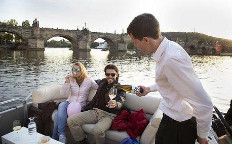 Plavba po Vltavě pro veřejnost s ochutnávkou vína