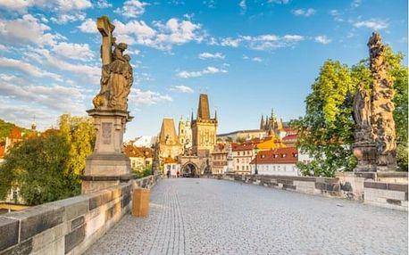 Šestihodinová procházka Prahou s obědem a plavbou