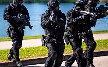 Elite SWAT trénink nedaleko Prahy