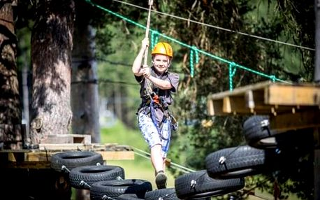 Lanový park Lipno: vysoký okruh se 14 překážkami