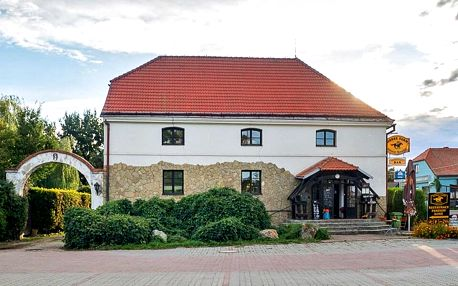 Farma u Znojma: nocleh i strava a projížďka na koni