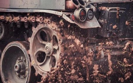 Pasažér tanku v bitvě v blízkosti Prahy