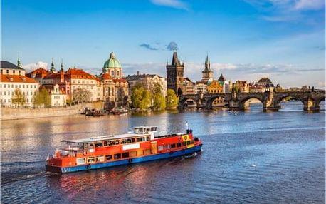 Prohlídka Prahy autobusem a plavba lodí po Vltavě