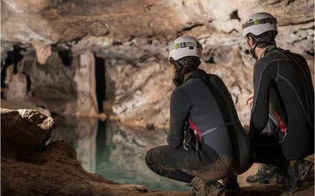 Dobrodružné rande v jeskyni v Moravském krasu