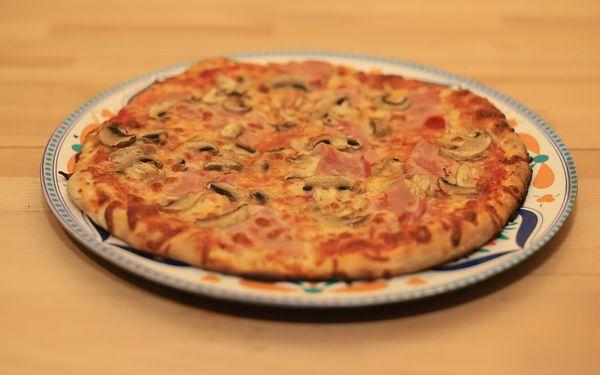 1x pizza (ø 32 cm) podle výběru2