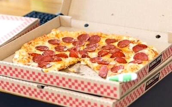 1x pizza (ø 32 cm) podle výběru3