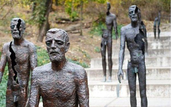 Po stopách komunismu - soukromá procházka v Praze