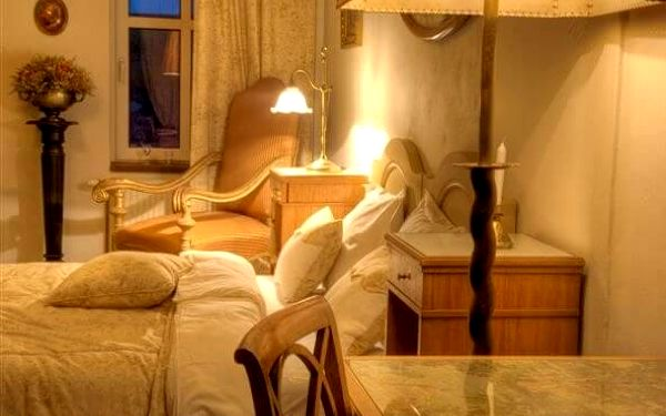 Romantika v Penzionu v Polích   Okolí Kladna   Říjen – březen (PO-NE), duben – září (NE-ČT).   2 dny/1 noc.5