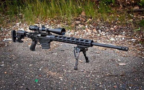 Hodina zážitkové střelby se třemi zbraněmi poblíž Kolína