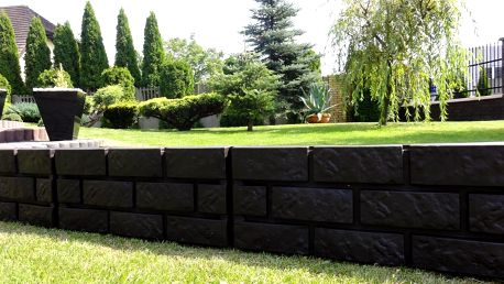 Zahradní palisáda obrubník lem trávniku, 2,2 m hnědá