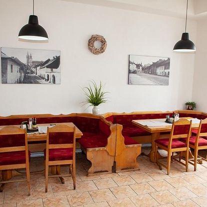 Klatovy, Plzeňský kraj: Restaurace a Penzion Klatovský Dvůr