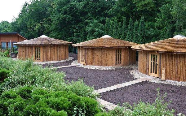 Vsetín, Zlínský kraj: Glamp V Hluboké - Yurts and Wooden Houses