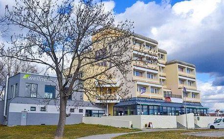 Jižní Čechy u CHKO Třeboňsko: Pobyt v Hotelu Lucia *** s polopenzí, láhví vína a poukazem na kávu s dezertem