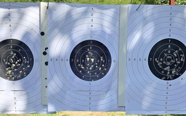 Jako při přípravě na získání zbrojního průkazu (4 zbraně a 17 nábojů)4