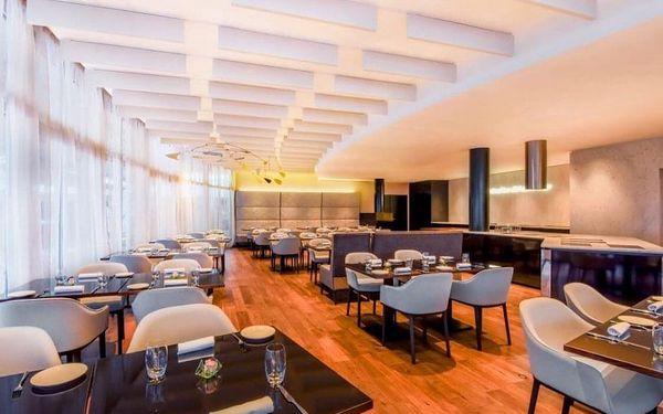 Moderní 4* hotel NH Prague City v centru Prahy se saunou a parkováním 4 dny / 3 noci, 2 osoby, snídaně4