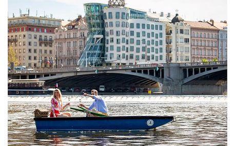 Pobyt v Tančícím domě s piknikem na Vltavě