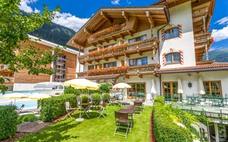 Rakouské Alpy v Hotelu Gutshof Zillertal **** s neomezeným wellness, bazénem, půjčením kola a snídaněmi