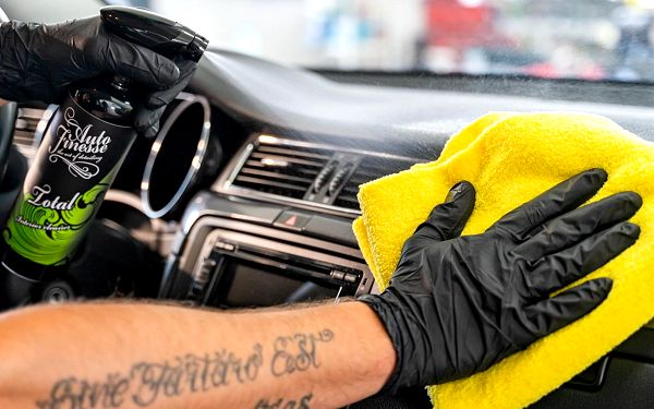 Dezinfekce klimatizace, tepování, čištění celého auta