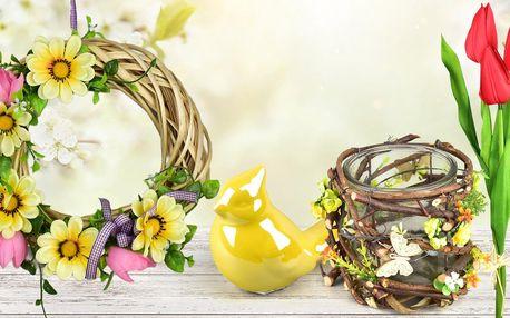 Krásné jarní dekorace: květiny, věnečky i porcelán