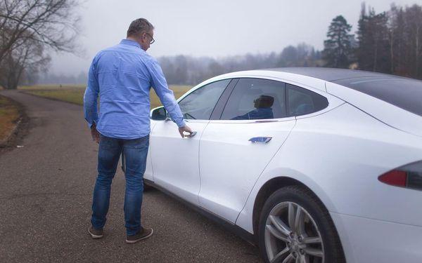 20 minut – spolujízda v elektromobilu Tesla Model S3