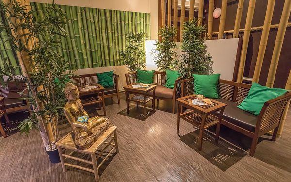 90 minut relaxace: hodinová thajská masáž dle výběru a 30minutová lázeň3