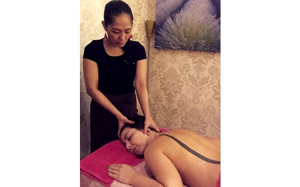 Balíček celkové relaxace s masáží (90 minut)3
